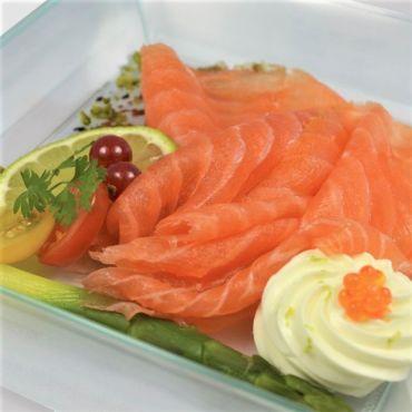 """Assiette """"Tranche de saumon fumé bio et crème citronnée"""""""