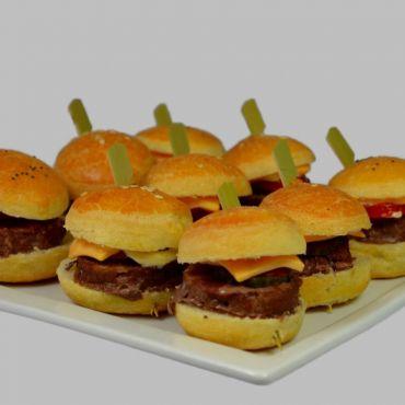 9 Mini Hamburgers