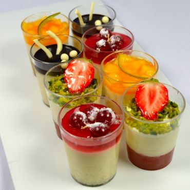 6 mini verrines sucrées assorties
